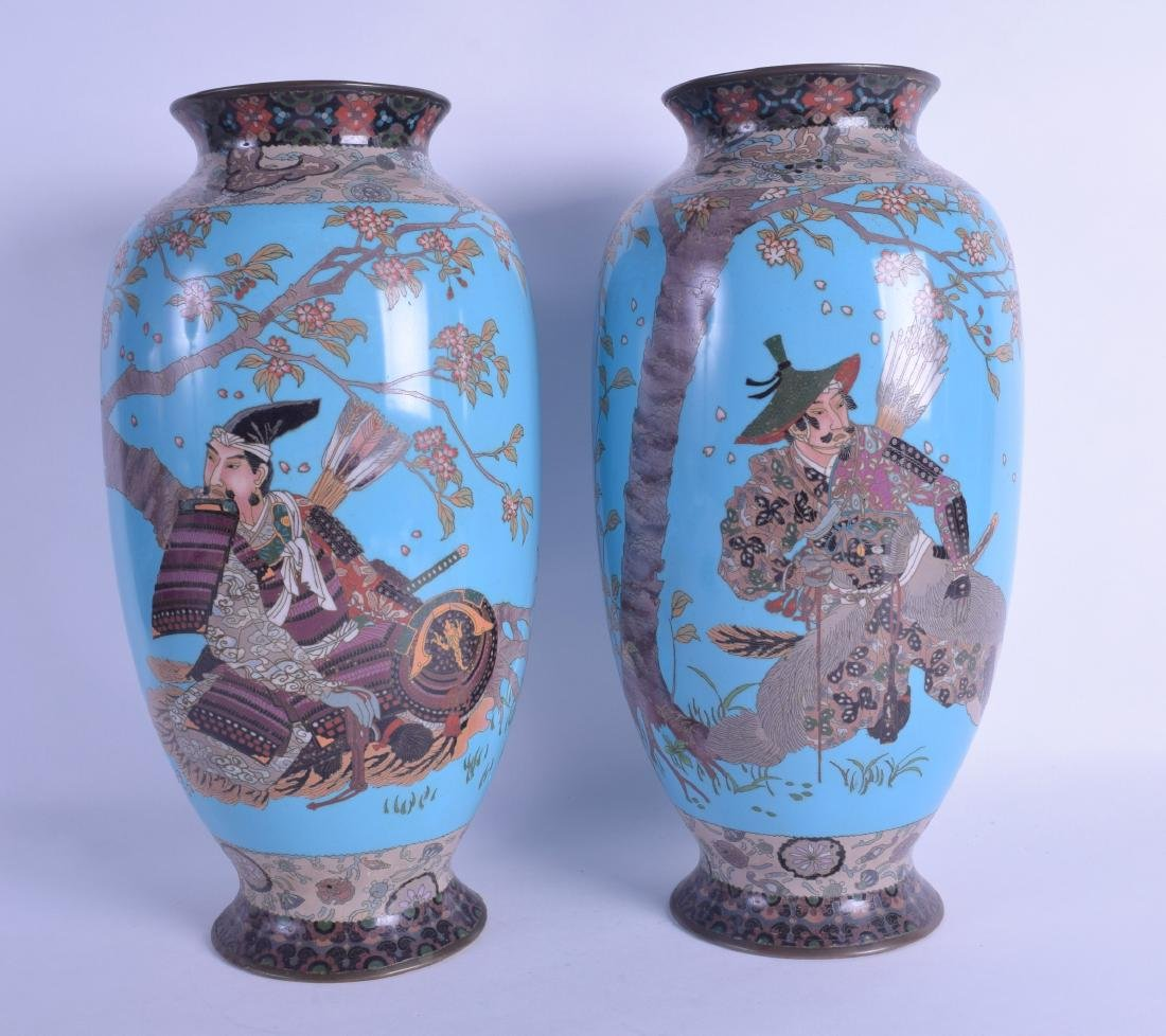 A GOOD PAIR OF 19TH CENTURY JAPANESE MEIJI PERIOD