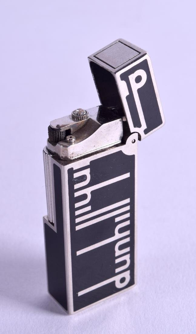 A STYLISH DUNHILL SIGNATURE BLACK ENAMELLED LIGHTER No.