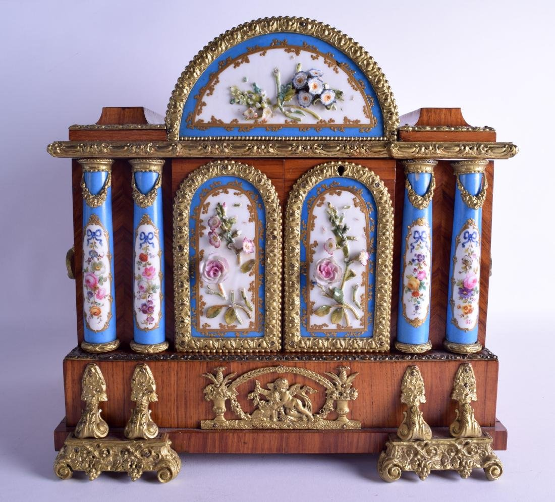 A LOVELY MID 19TH CENTURY FRENCH KINGWOOD ORMOLU AND - 3