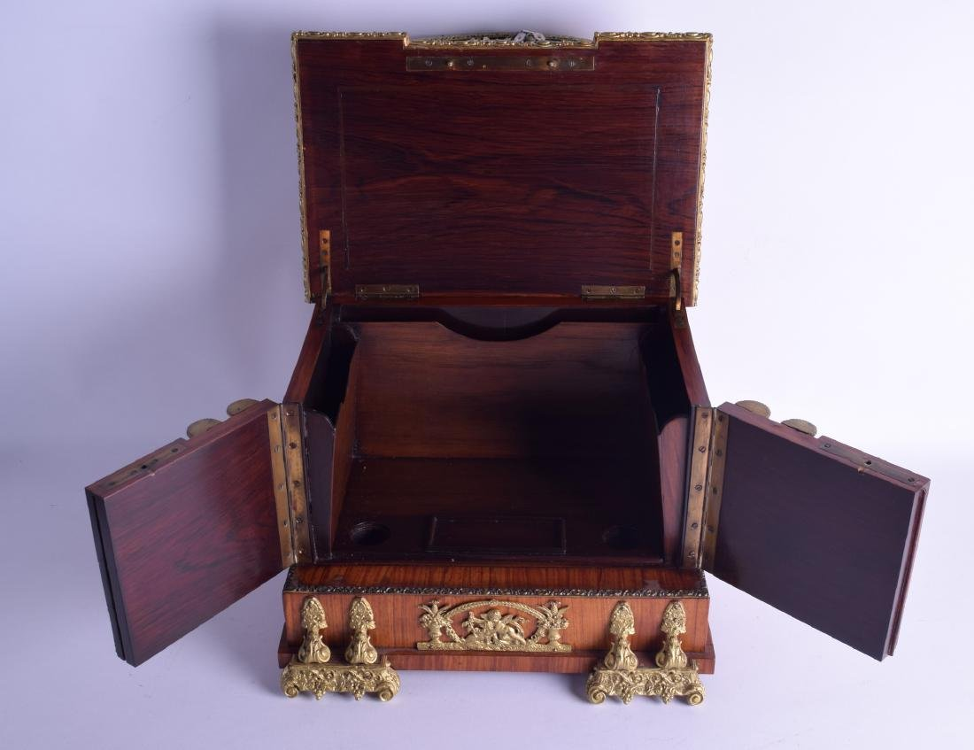 A LOVELY MID 19TH CENTURY FRENCH KINGWOOD ORMOLU AND - 4