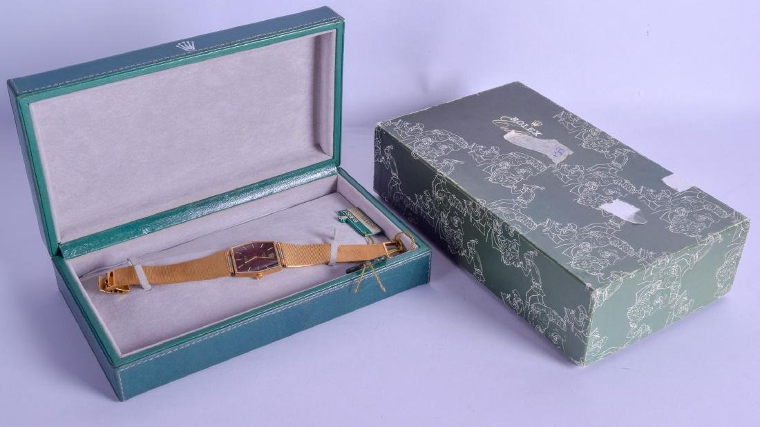 A LOVELY BOXED LADIES 18CT YELLOW GOLD ROLEX CELLINI