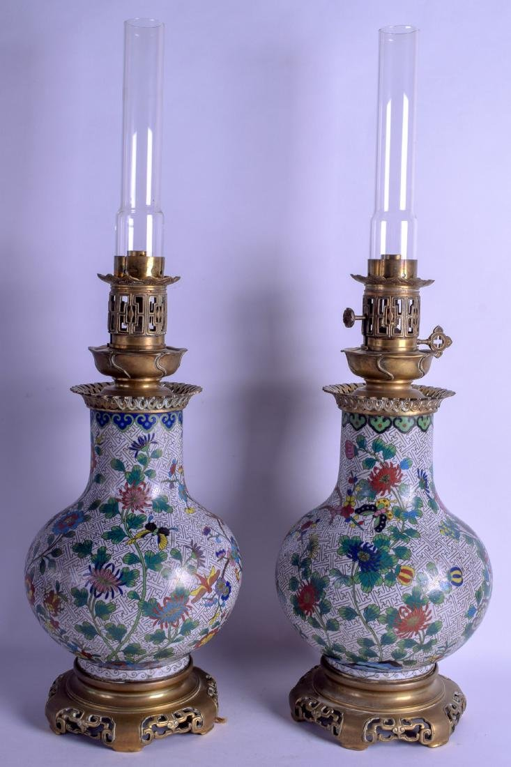 A GOOD PAIR OF 19TH CENTURY CHINESE CLOISONNE ENAMEL - 2
