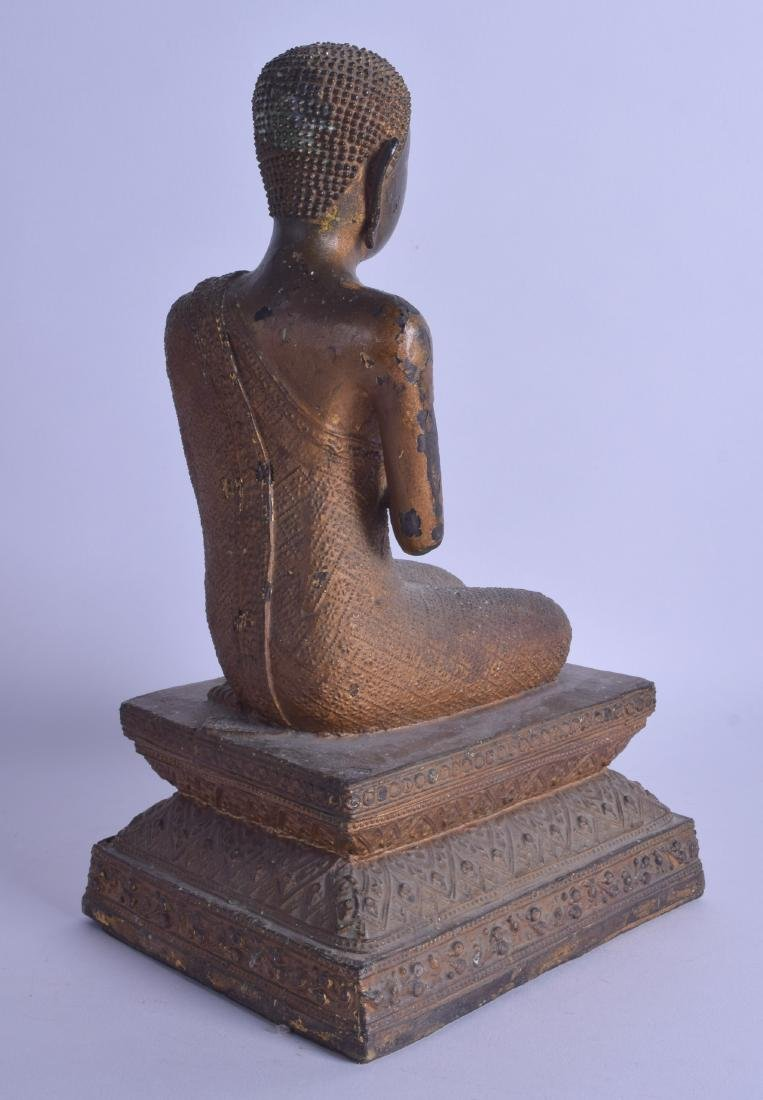 A 19TH CENTURY THAI BRONZE FIGURE OF A SEATED BUDDHA - 2