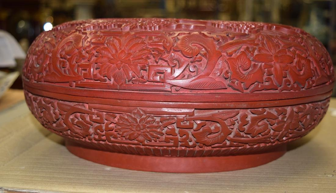 A FINE LARGE CHINESE CARVED CINNABAR LACQUER BOX AND - 7