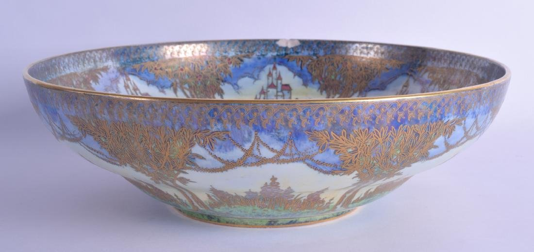 A LARGE AND UNUSUAL ROYAL WORCESTER CROWN WARE LUSTRE
