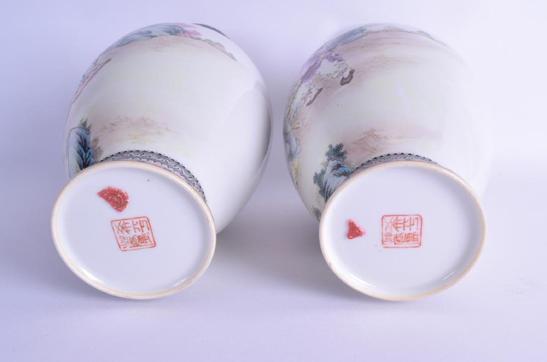 A PAIR OF CHINESE REPUBLICAN FAMILLE ROSE PORCELAIN - 3