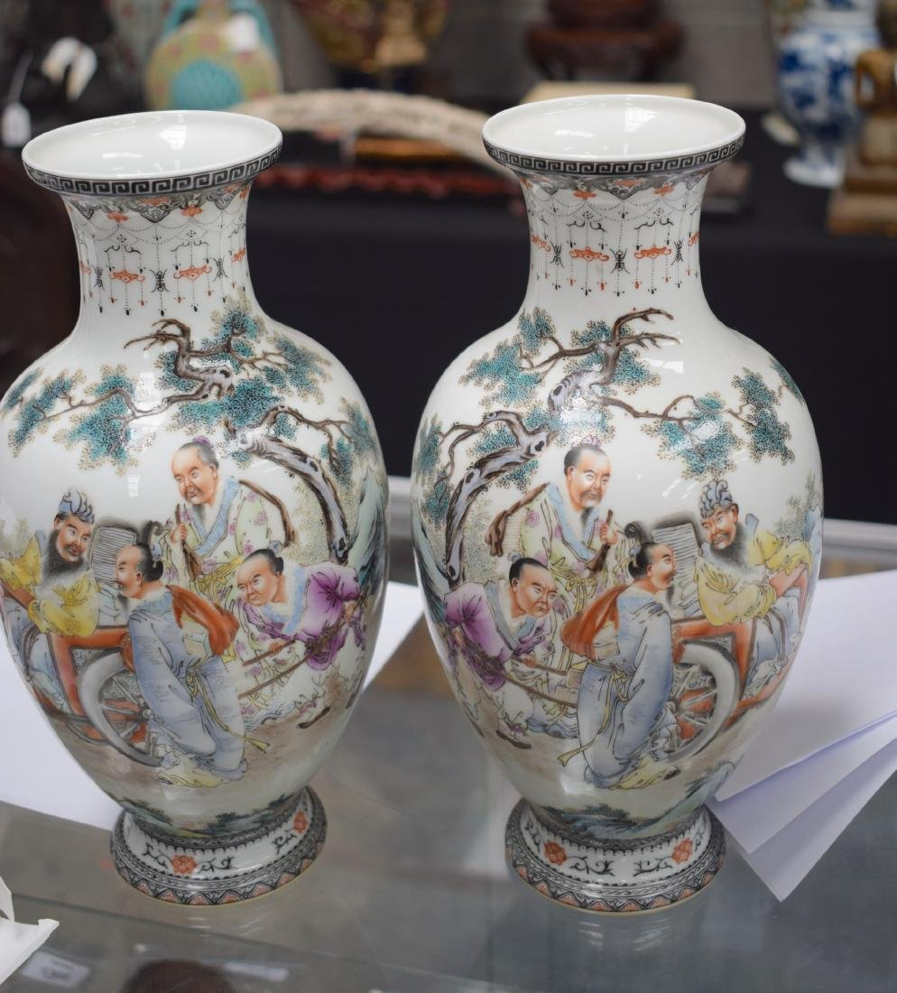 A PAIR OF CHINESE REPUBLICAN FAMILLE ROSE PORCELAIN - 4