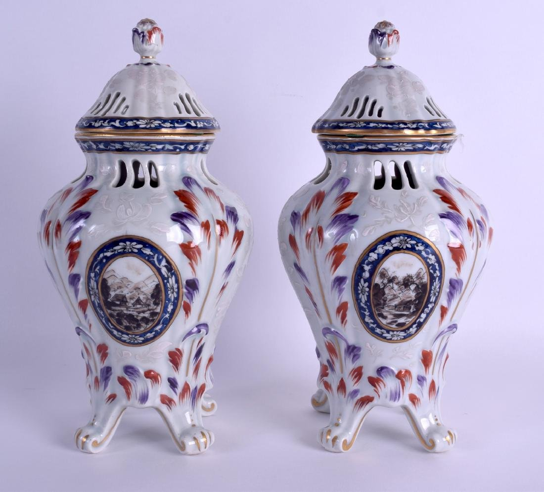 A PAIR OF 19TH CENTURY FRENCH SAMSONS OF PARIS