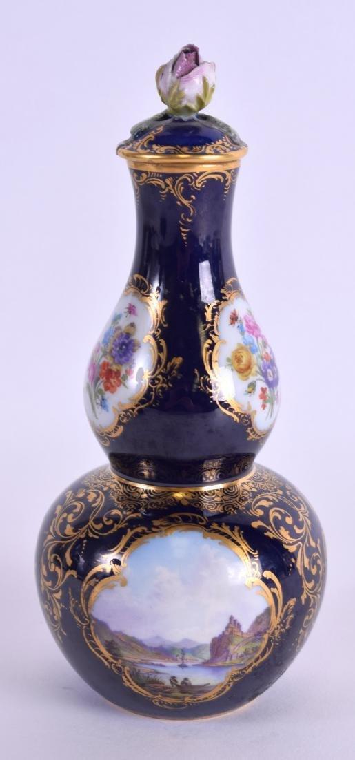 AN EARLY 19TH CENTURY MEISSEN PORCELAIN DOUBLE GOURD