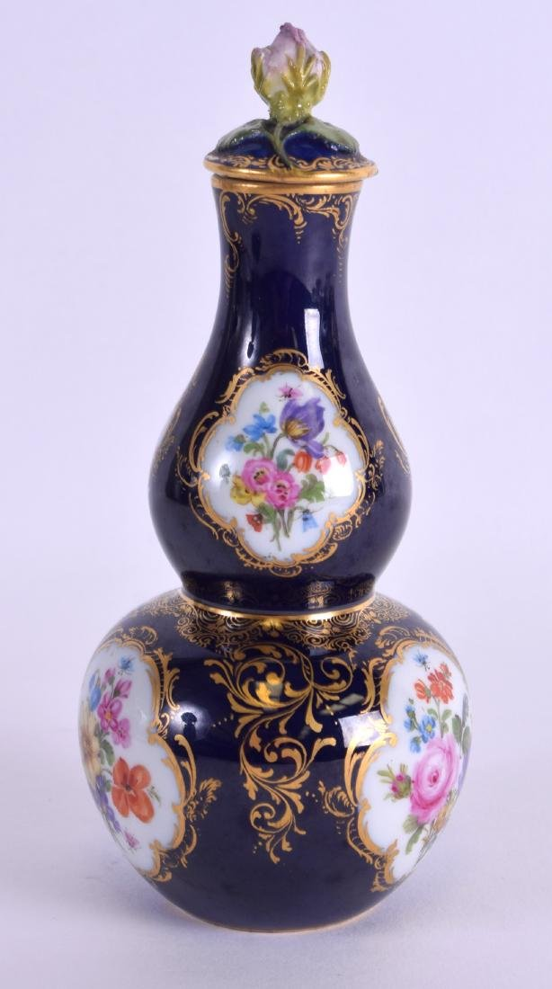AN EARLY 19TH CENTURY MEISSEN PORCELAIN DOUBLE GOURD - 2