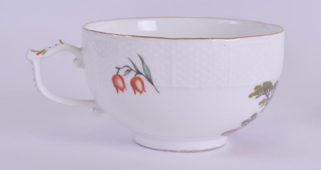 AN 18TH/19TH CENTURY MEISSEN PORCELAIN TEACUP AND - 2