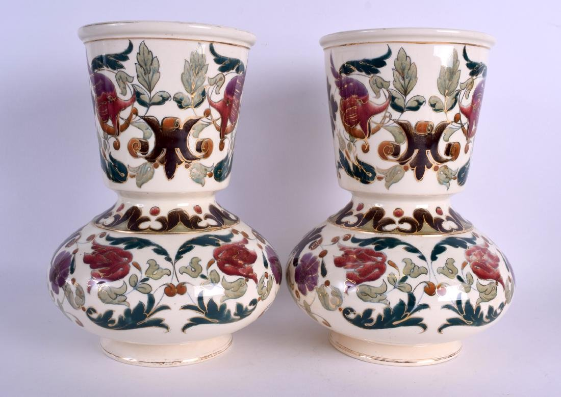 A PAIR OF AUSTRO HUNGARIAN RUDOLF DITMAR VASES Zsolnay - 2