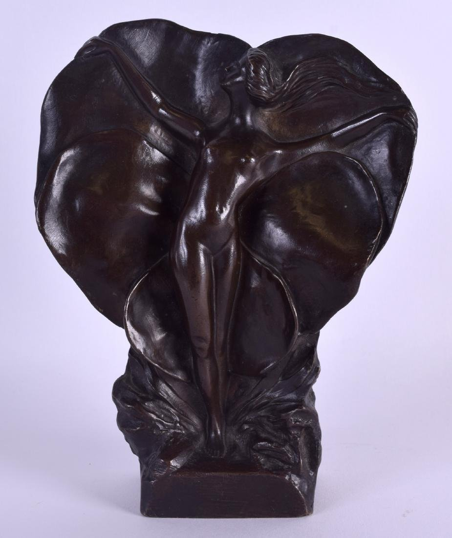 A LOVELY ART NOUVEAU BRONZE FIGURE OF A NUDE FEMALE by