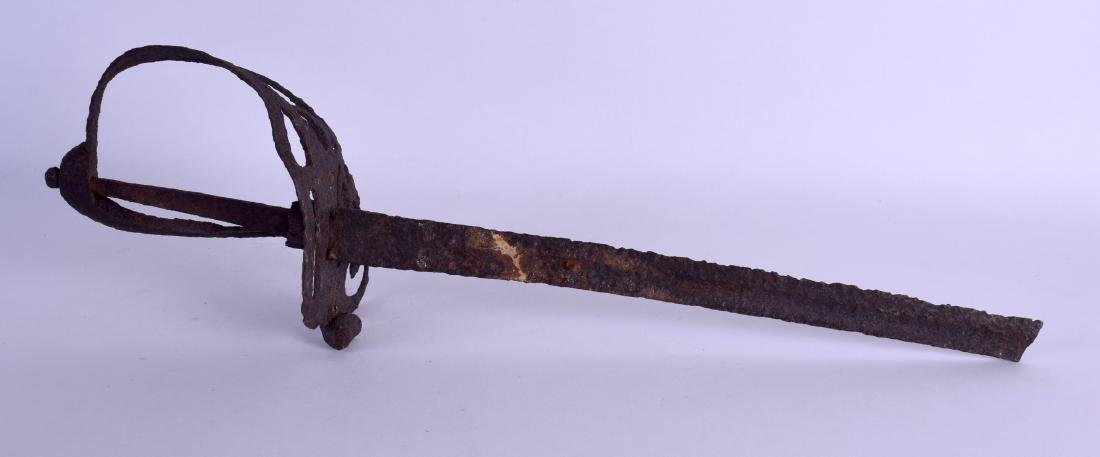 AN 18TH/19TH CENTURY CONTINENTAL OPEN WORK SWORD with - 2