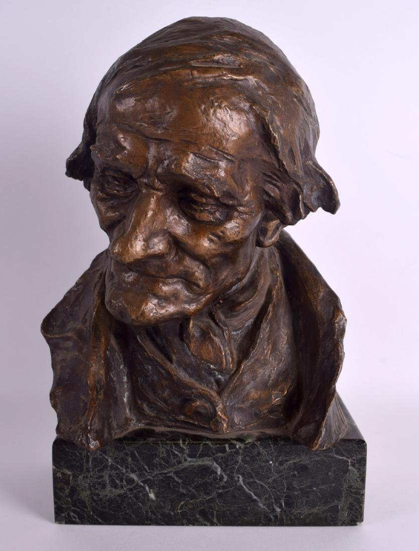 AN UNUSUAL EARLY 20TH CENTURY EUROPEAN BUST OF AN