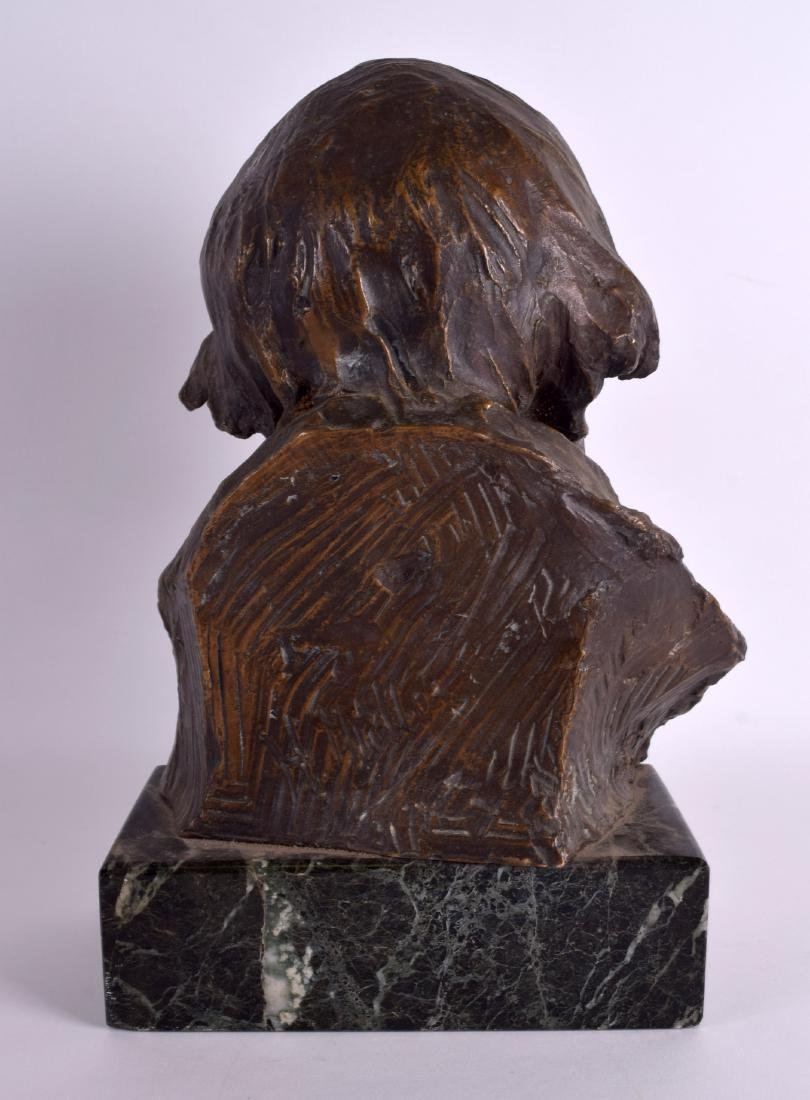 AN UNUSUAL EARLY 20TH CENTURY EUROPEAN BUST OF AN - 2