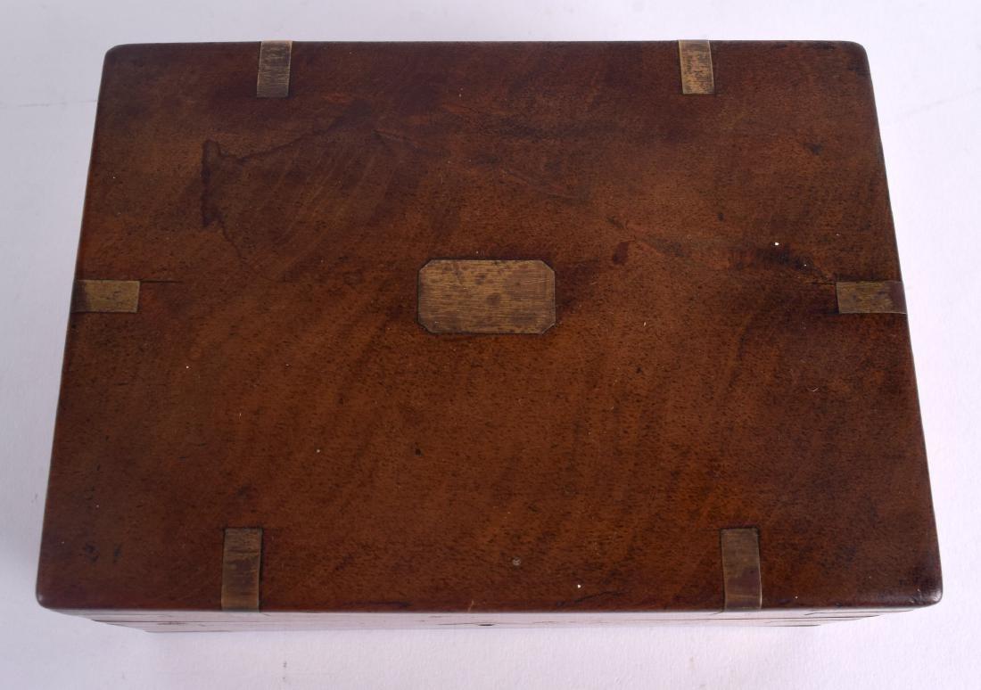 A MID 19TH CENTURY MAHOGANY BRASS BOUND PISTOL BOX with - 3