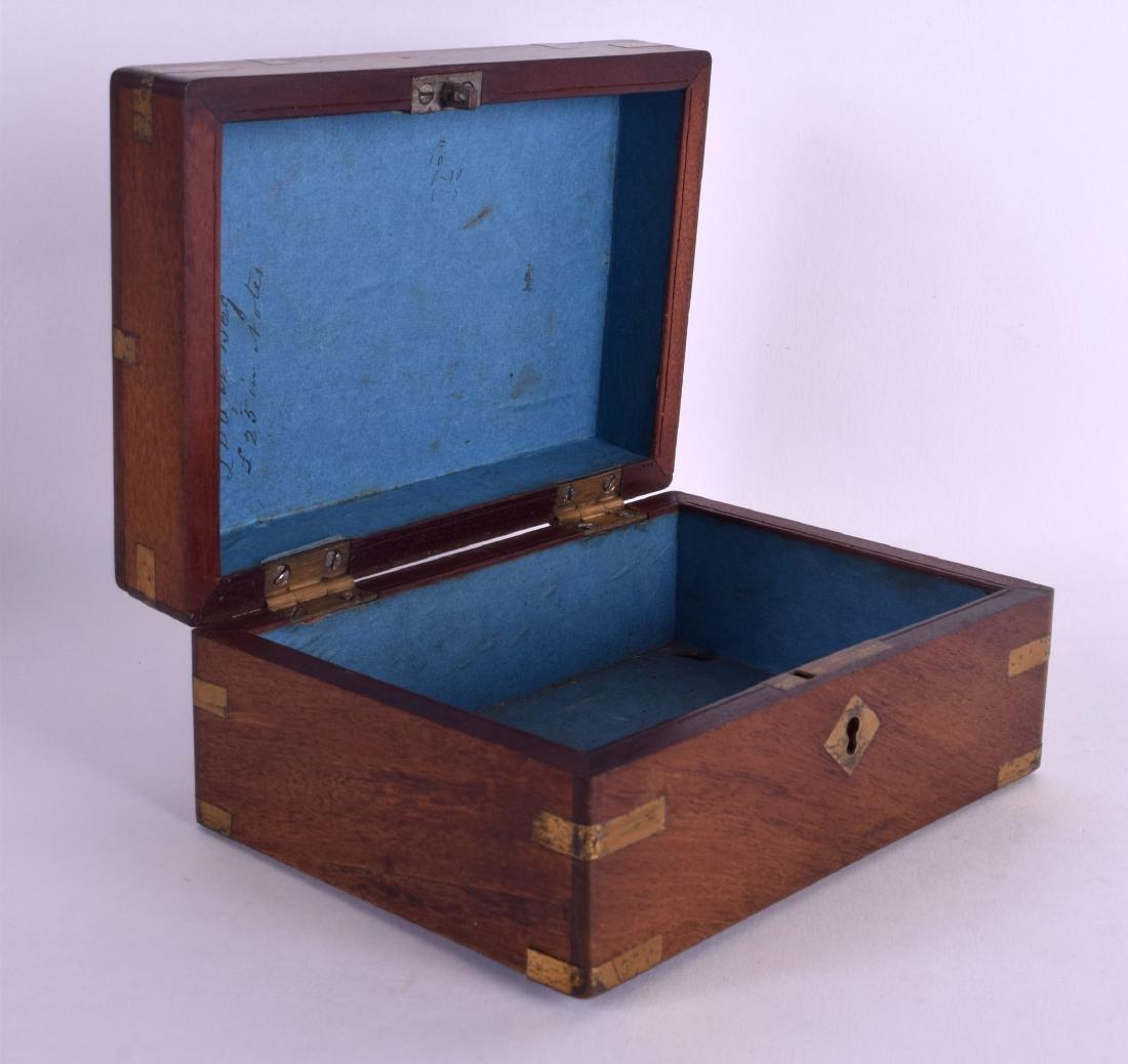 A MID 19TH CENTURY MAHOGANY BRASS BOUND PISTOL BOX with - 4
