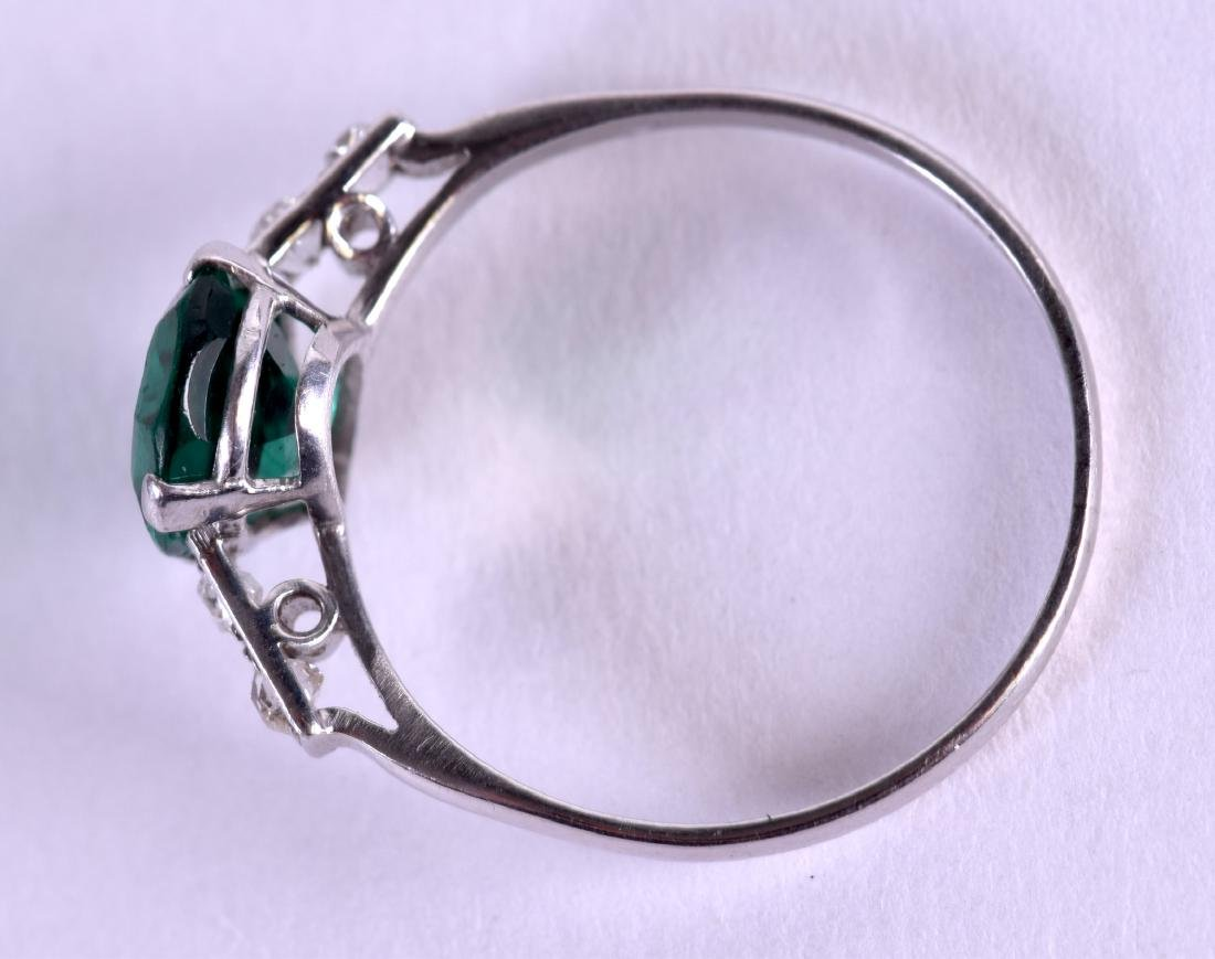 AN ART DECO PLATINUM DIAMOND AND EMERALD TYPE RING - 2