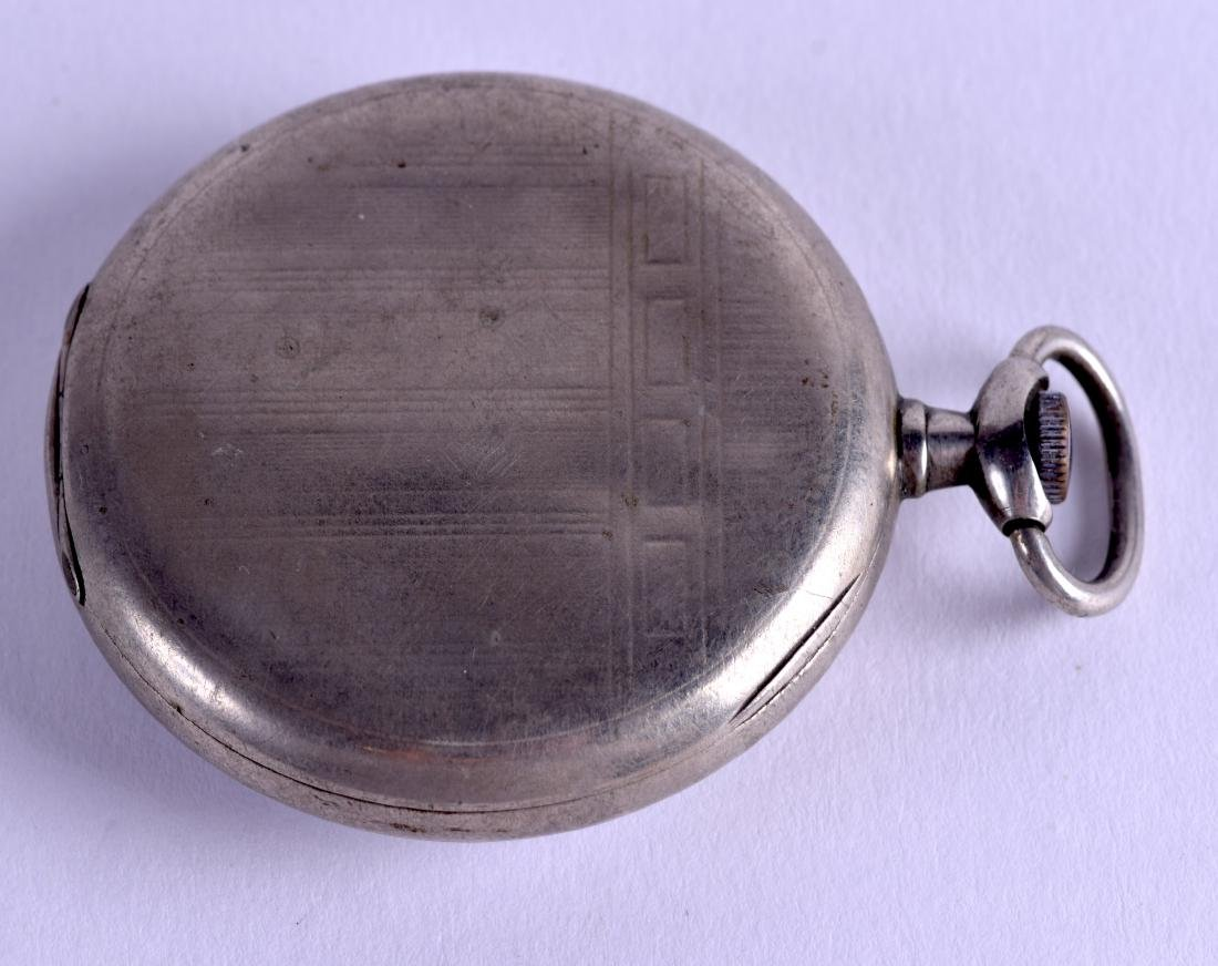 AN EARLY 20TH CENTURY OMEGA POCKET WATCH. 4.5 cm - 2