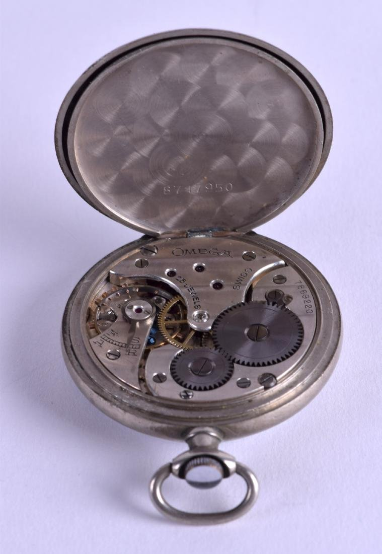 AN EARLY 20TH CENTURY OMEGA POCKET WATCH. 4.5 cm - 3