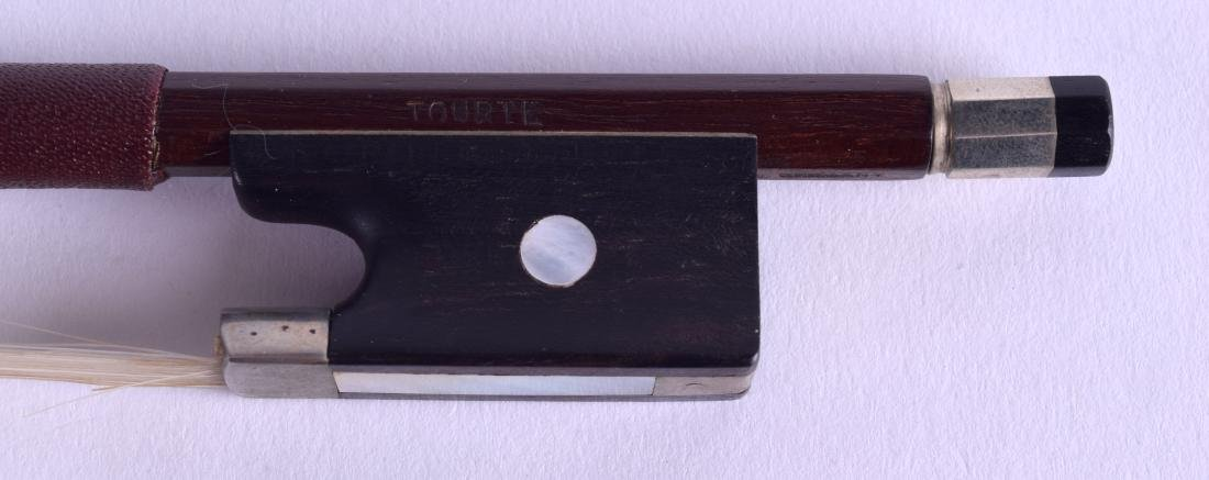 AN ANTIQUE GERMAN VIOLIN BOW After Francois Xavier