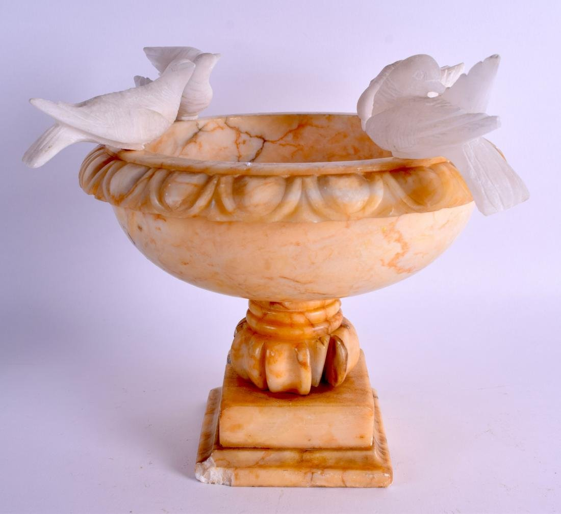 A LATE 19TH CENTURY ITALIAN GRAND TOUR CARVED ALABASTER