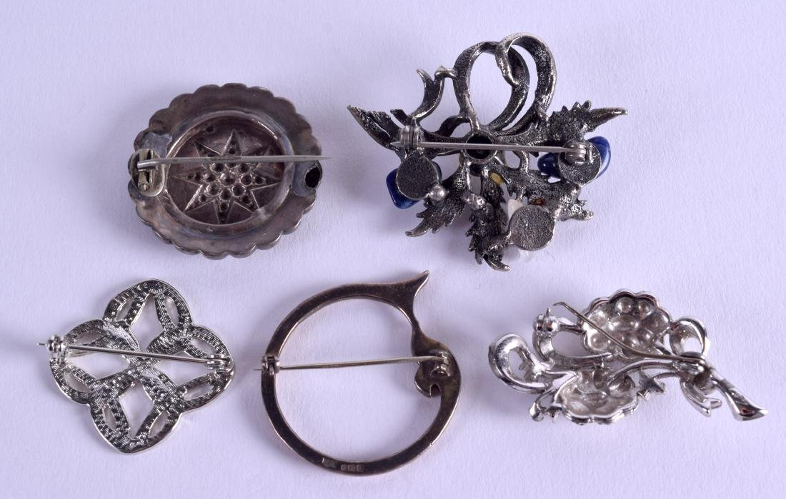 FIVE VARIOUS VINTAGE BROOCHES including a late - 2