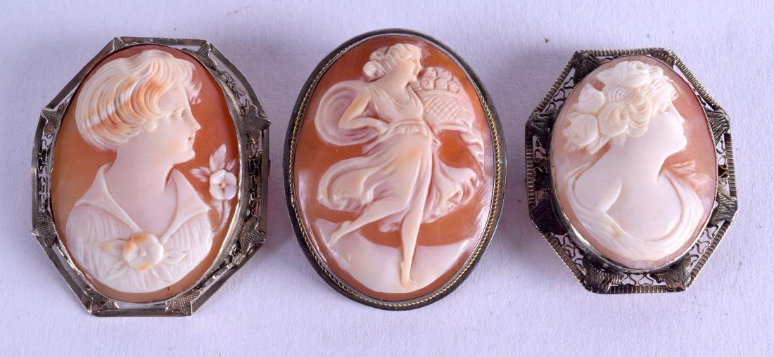 THREE ANTIQUE CAMEO BROOCHES. (3)
