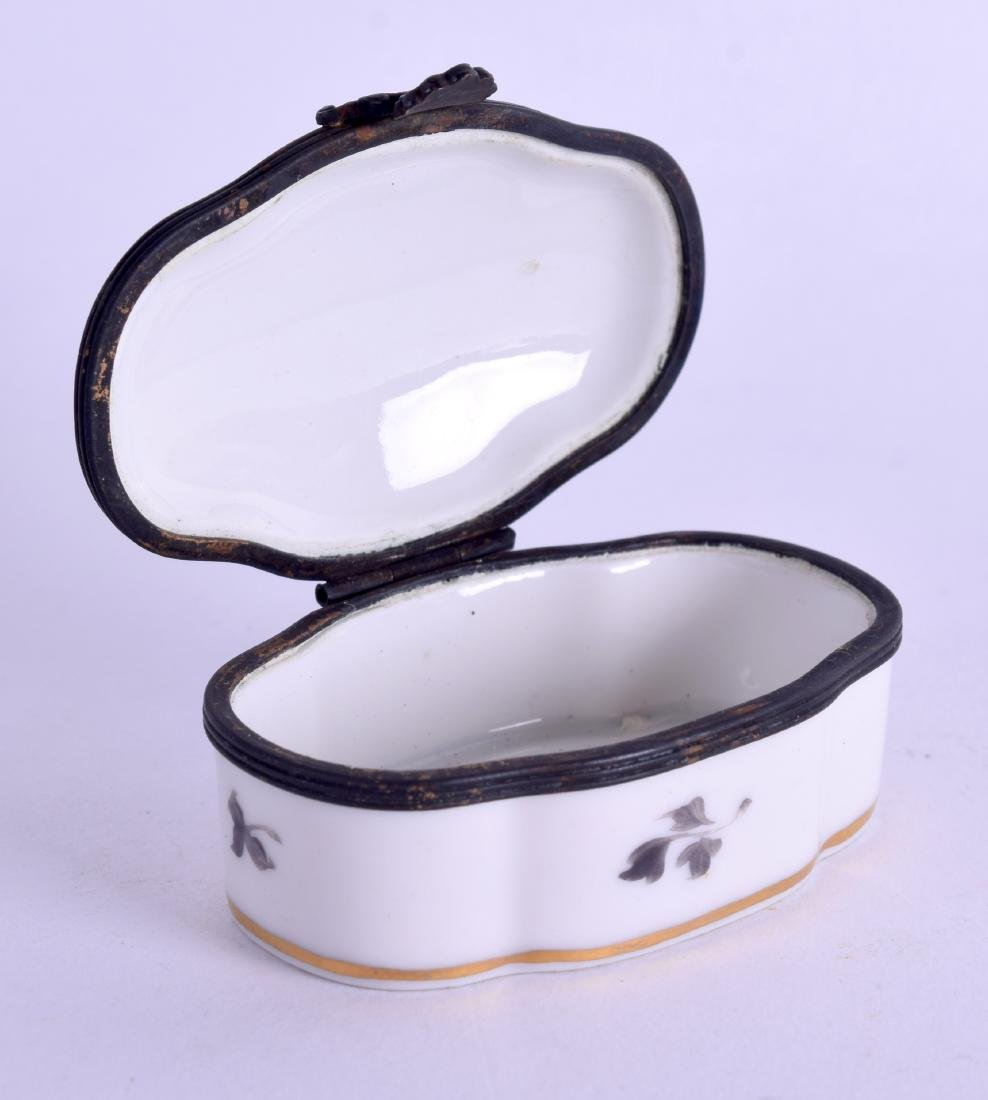A SEVRES STYLE PORCELAIN PILL BOX painted with - 2