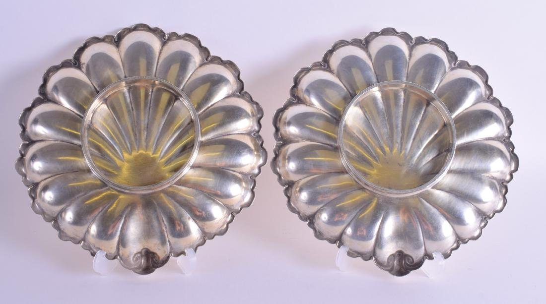 A PAIR OF ANTIQUE CONTINENTAL WHITE METAL SHELL SHAPED - 2