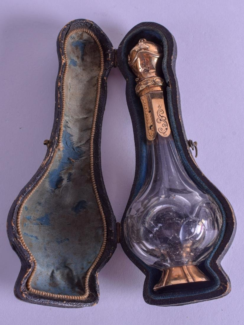 A 19TH CENTURY FRENCH 18CT GOLD AND CRYSTAL SCENT - 4