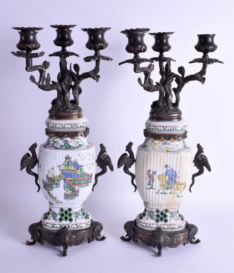 A PAIR OF 19TH CENTURY CHINESE FAMILLE VERTE VASES AND - 2