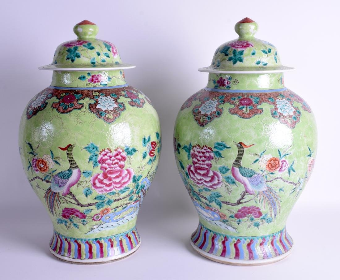 A GOOD PAIR OF 19TH CENTURY CHINESE FAMILLE ROSE VASES