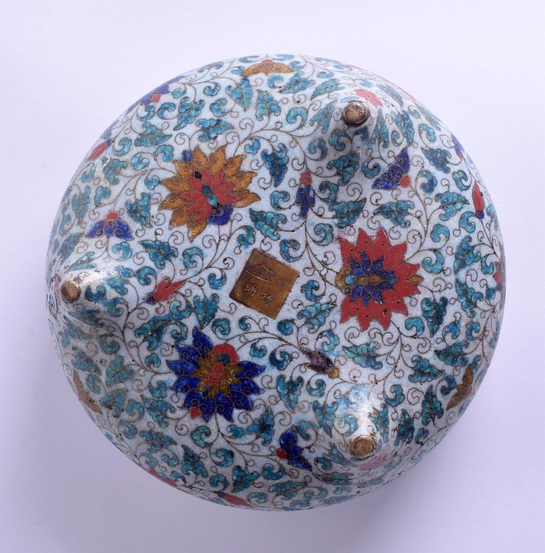 A LARGE 18TH/19TH CENTURY CHINESE CLOISONNE ENAMEL - 4