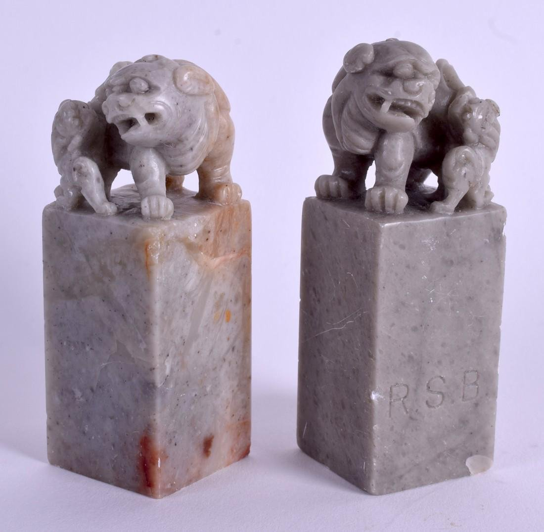 A PAIR OF EARLY 20TH CENTURY CHINESE SOAPSTONE SEALS.