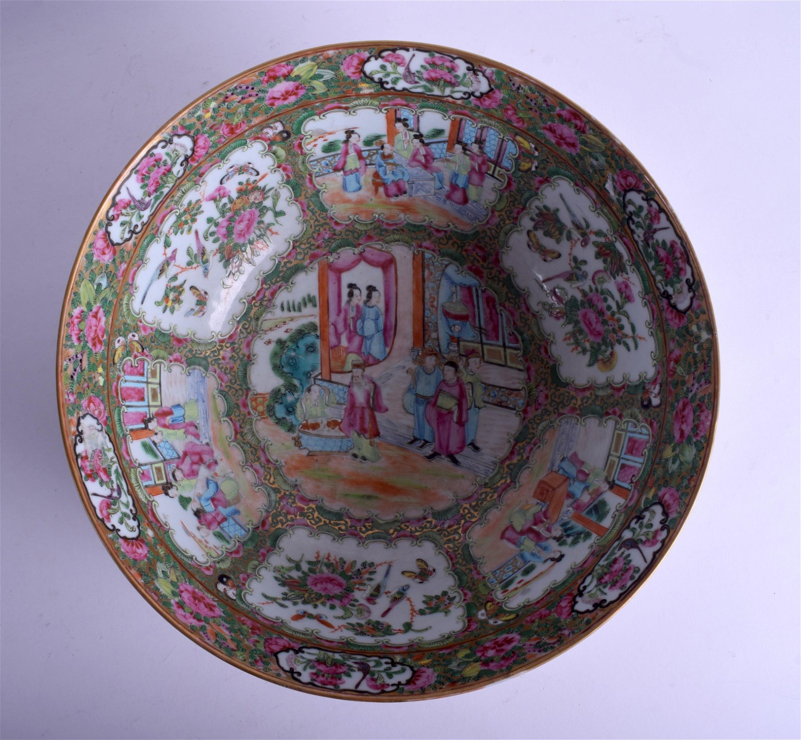 A LARGE 19TH CENTURY CHINESE FAMILLE ROSE CANTON BOWL