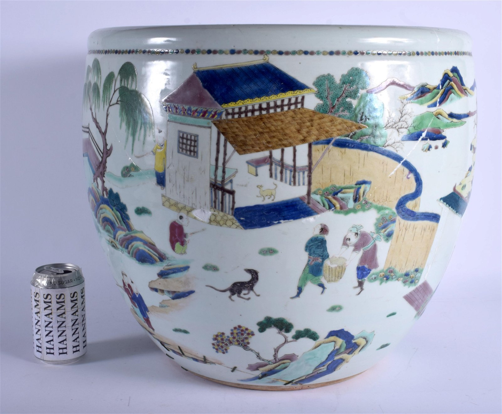 A LARGE 19TH CENTURY CHINESE FAMILLE VERTE FISH TANK
