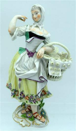 AN 18TH/19TH CENTURY GERMAN PORCELAIN FIGURE OF A