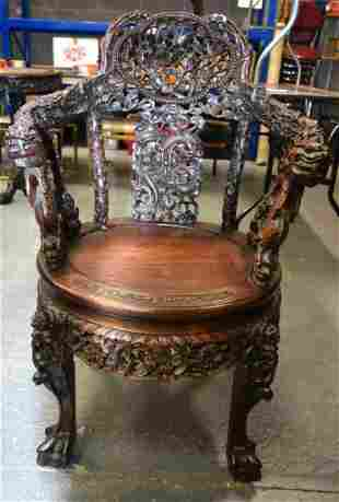 A FINE 19TH CENTURY CHINESE CARVED HARDWOOD HONGMU
