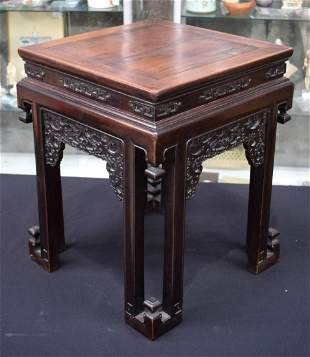 A FINE 19TH CENTURY CHINESE CARVED HONGMU SQUARE FORM