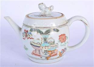 A LATE 17TH CENTURY CHINESE FAMILLE VERTE PORCELAIN