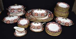 A LARGE AND EXTENSIVE ROYAL CROWN DERBY IMARI PORCELAIN