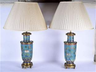 A LARGE PAIR OF 18TH/19TH CENTURY CHINESE CLOISONNE