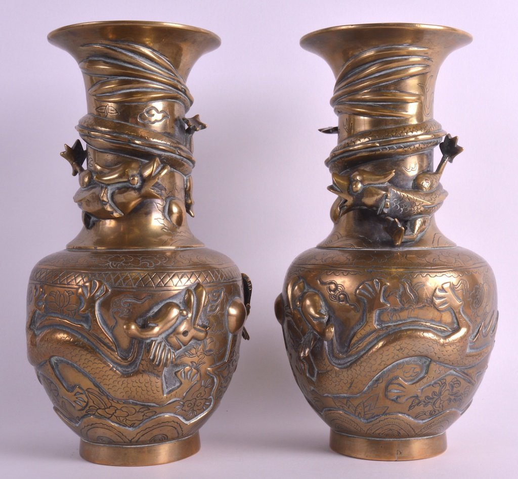 A PAIR OF LATE 19TH CENTURY CHINESE BRONZE VASES