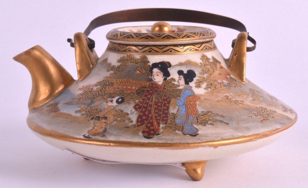 AN EARLY 20TH CENTURY JAPANESE MEIJI PERIOD SATSUMA