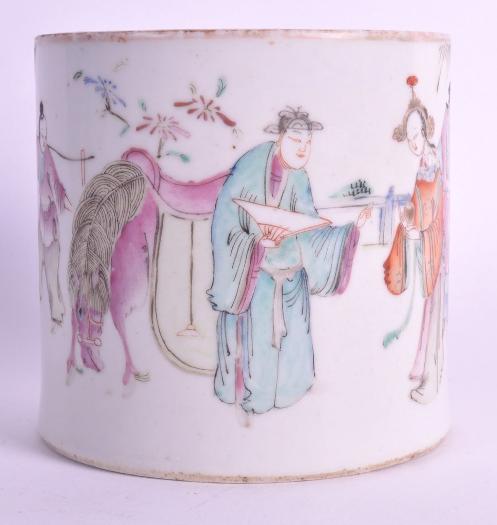 A LATE 19TH CENTURY CHINESE FAMILLE ROSE BRUSH POT