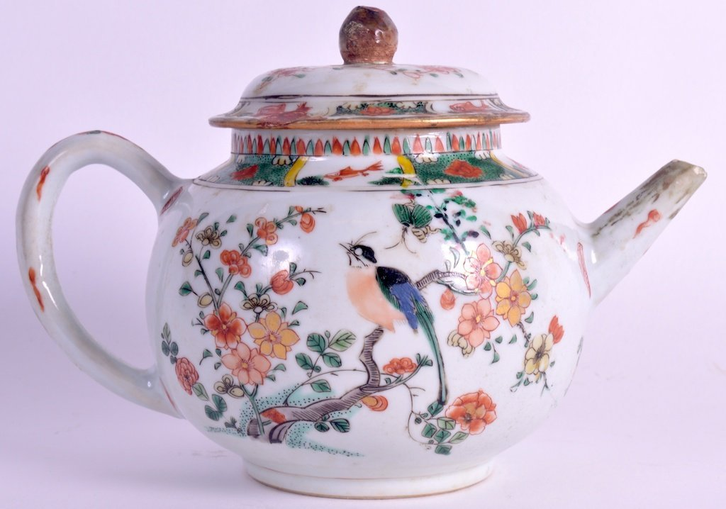 A 17TH CENTURY CHINESE FAMILLE VERTE TEAPOT AND COVER