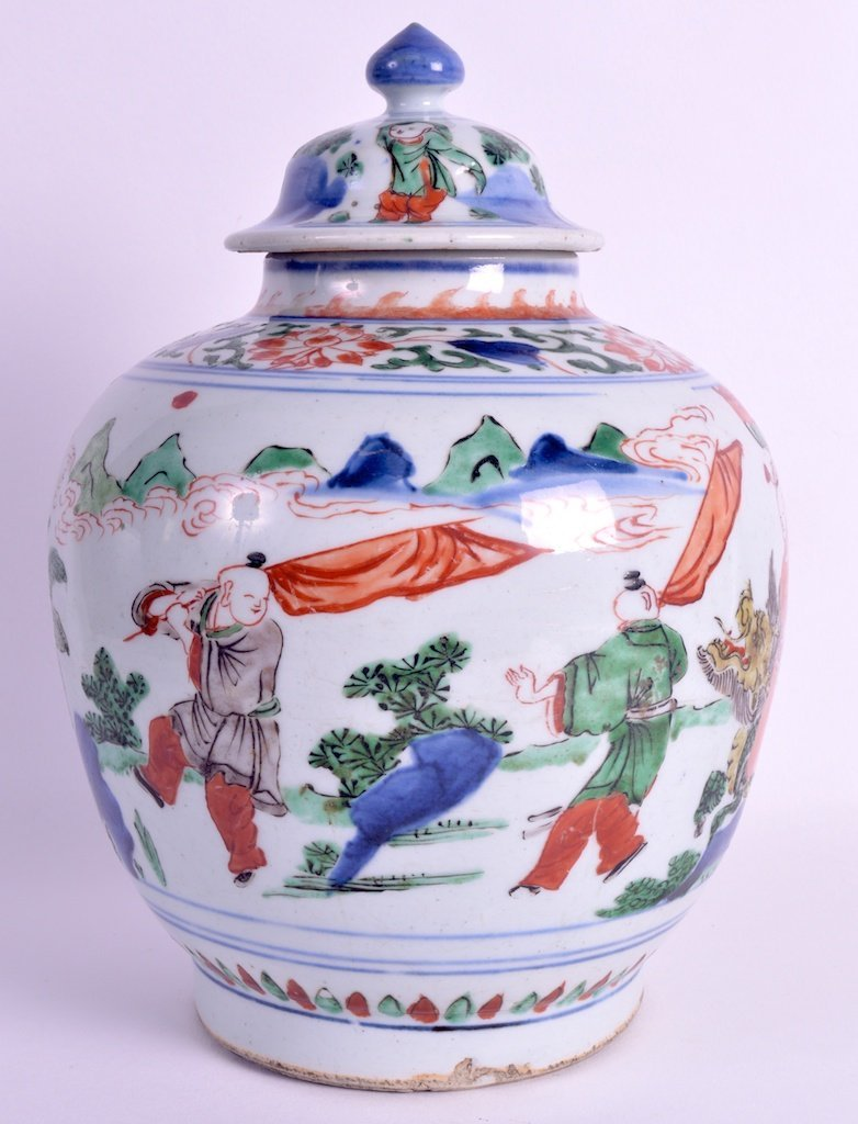 A 17TH CENTURY CHINESE WUCAI TRANSITIONAL PORCELAIN