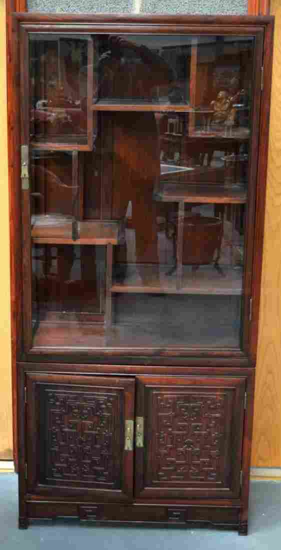 A LARGE 19TH CENTURY CHINESE CARVED HARDWOOD DISPLAY